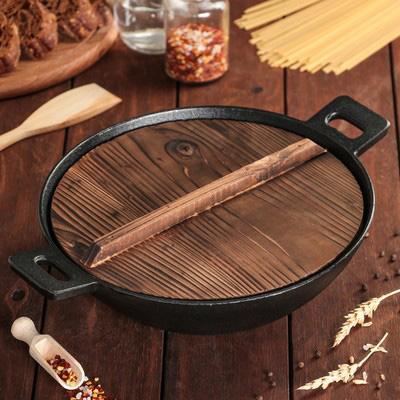 Крышка для казана из цельного куска древесины.